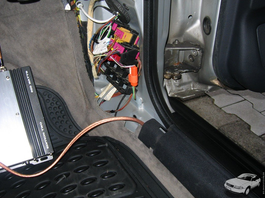 b5.gaskutsche.de – Endstufe in einem Audi A4 (B5) verbauen